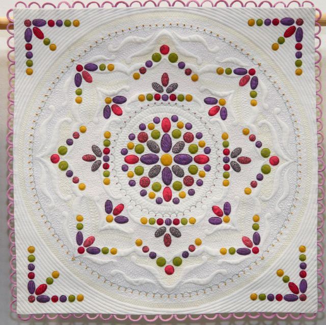 Winner-of-Miniature-Quilts-and-Best-In-Show-Philippa-Naylor-Meausre-for-Measure-1