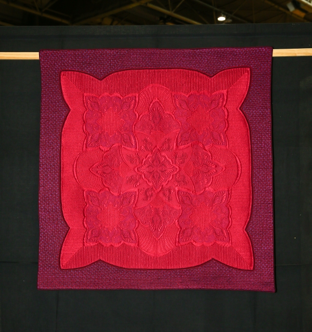 Winner Traditional Quilts- The Trouble with Magenta - Annelize Littlefair
